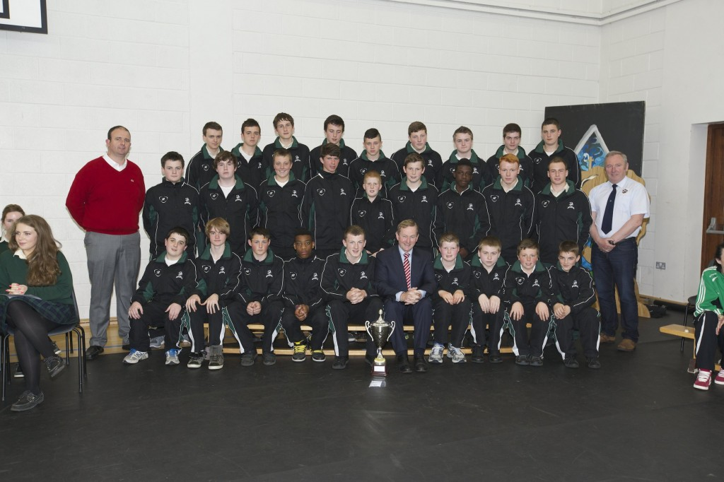 An Taoiseach, Enda Kenny TD pictured with the victorious Davitt College U16 Rugby Team that won the North West Championship Cup 2014. Accompanied with the team are Mr. Dave MacDonnacha, Teacher and Trainer (Left) and Mr. Seamus King, Trainer (Right).